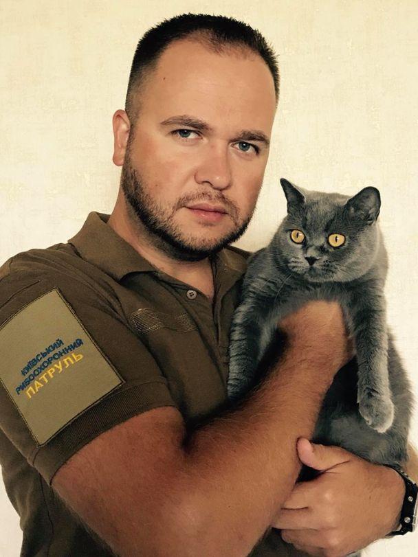 Киевский рыбоохранный патруль взял на службу кошку