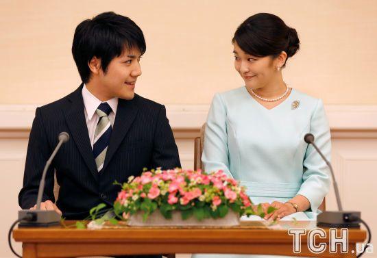 Принцеса Японії відклала шлюб із нареченим, через якого вона втратить свій титул