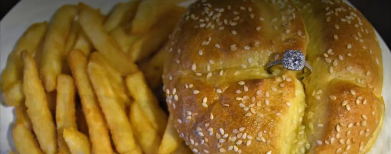 Бостонский ресторан продает особые гамбургеры за $3 тысячи ко Дню святого Валентина