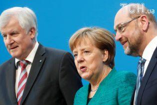 Отруєння Скрипаля: Меркель переконує у необхідності додаткової реакція ЄС