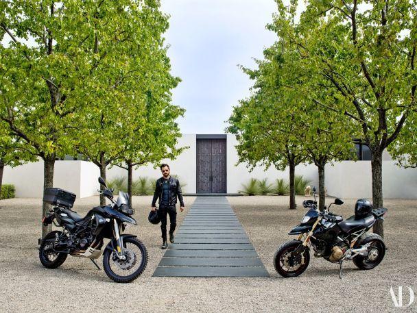 Дженніфер Еністон та Джастін Теру показали їхній розкішний маєток у Каліфорнії