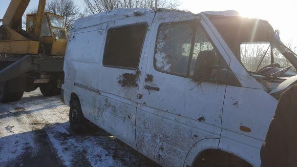На Запоріжжі мікроавтобус із волонтерами, які їхали на Донбас, злетів у кювет