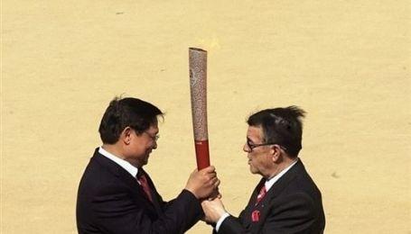 Президент КНР запалив олімпійський вогонь