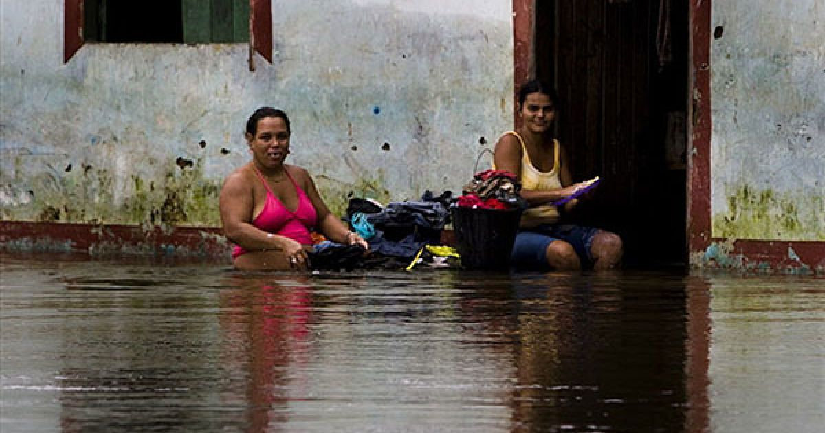 В результаті руйнівної повені на північному сході Бразилії у штаті Алагоас більше тисячі людей вважаються зниклими безвісти. @ AFP