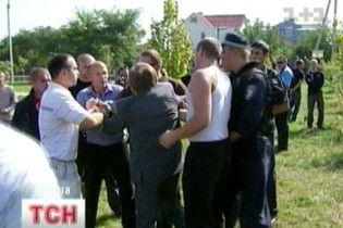 Бізнесмени побилися зі священиками через землю на Київщині