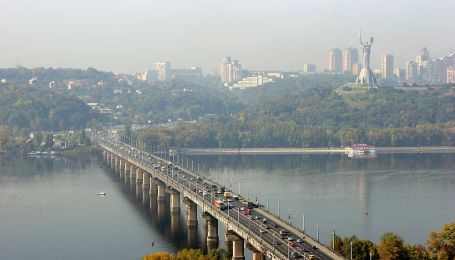 В Киеве частично перекроют съезд с моста Патона