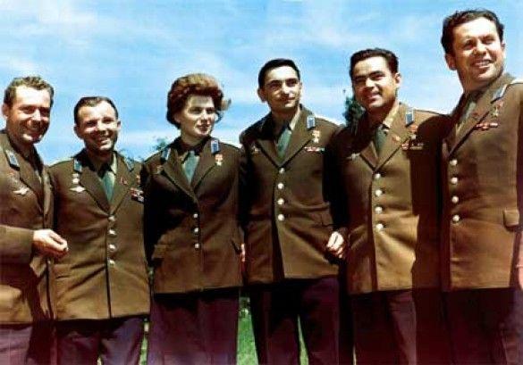 Космонавти