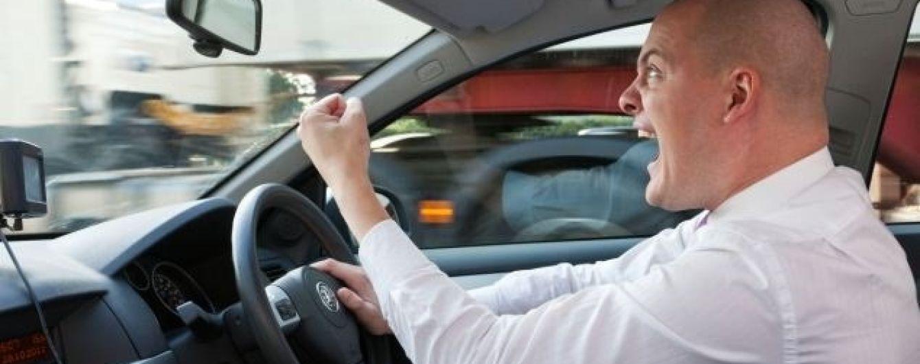 Психику украинских водителей подвергнут регулярной проверке