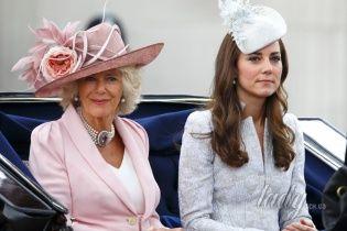 Герцогиню Камиллу раздражает токсикоз Кейт Миддлтон