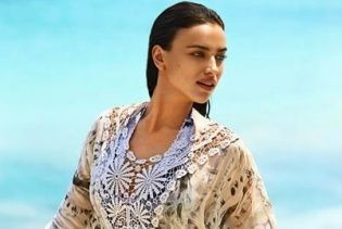 Ирина Шейк в рекламе бикини Aqua Bendita