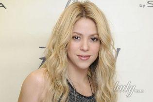 Шакира выставила фото новорожденного сына Саши в рамках благотворительной акции