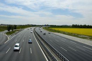 Первые автобаны в Украине начнут строить со следующего года