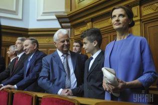 Первая леди Марина Порошенко для инаугурации выбрала наряды от дизайнеров Пустовит и Гресь