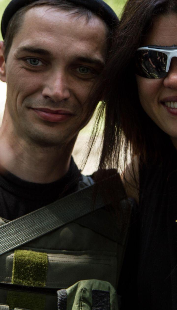 Руслана во время концерта обнималась с военными
