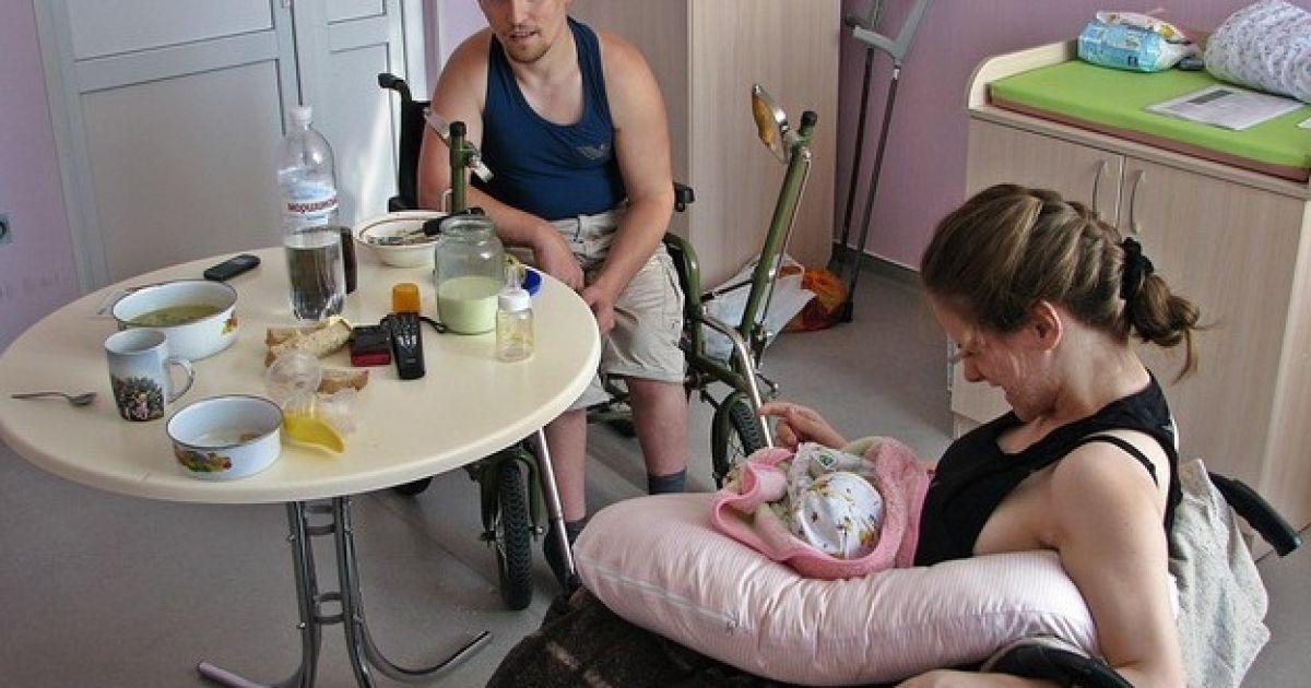 Дитину хочуть забрати в батьків-інвалідів @ Сегодня