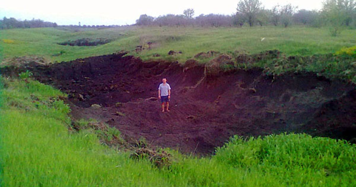 Під Луганськом незаконно вивозять землю @ 0642.com.ua