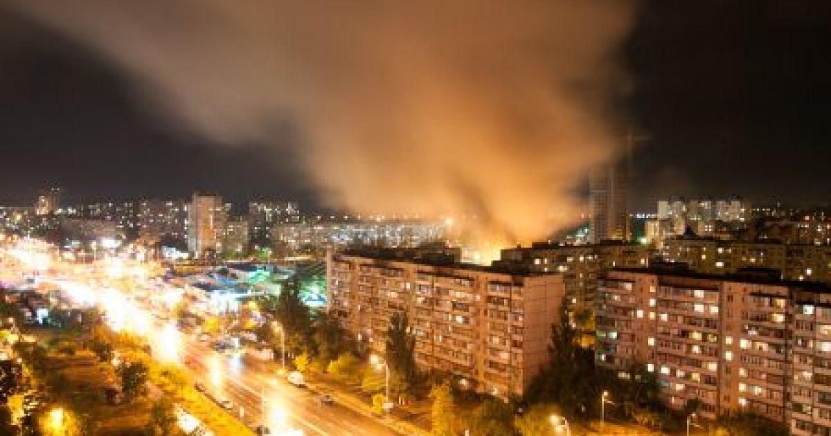 У Києві палає ринок на Героїв Дніпра @ sovet.kidstaff/dima2013