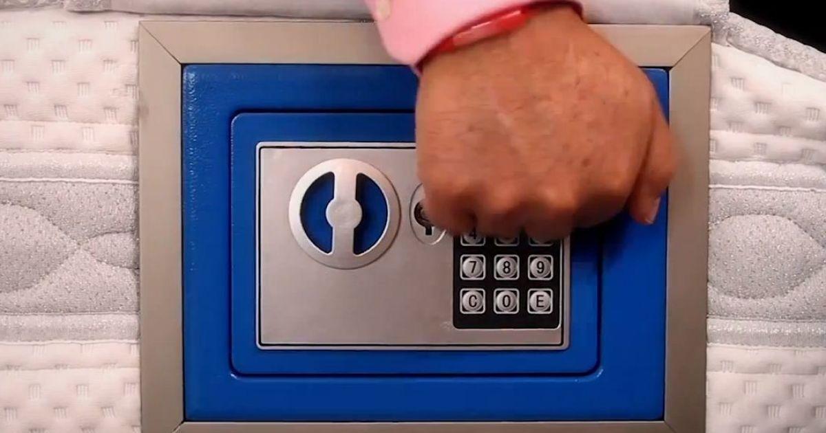 Іспанці зберігають гроші в матраці. @ cajamicolchon.com