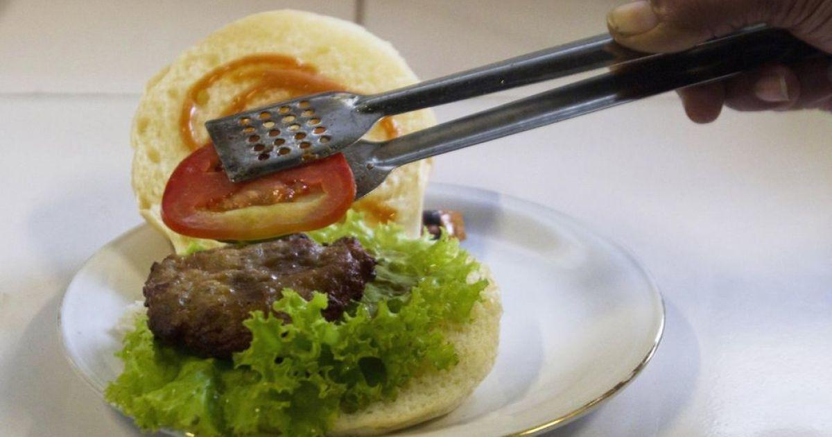 У ресторані індонезійського міста Джок'якарта можна спробувати м'ясо кобри. @ bigpicture.ru