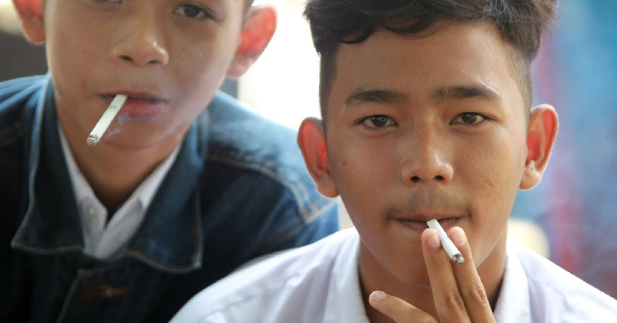 smoking in the philippines A philippine ban on smoking in public places received broad support on friday, with anti-tobacco activists hailing it as a victory and some smokers saying they were now prepared to kick the habit.