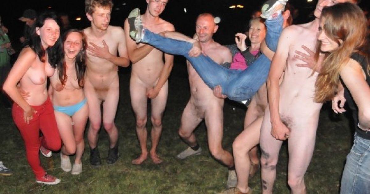 Та 18 дівчата голі хлопці