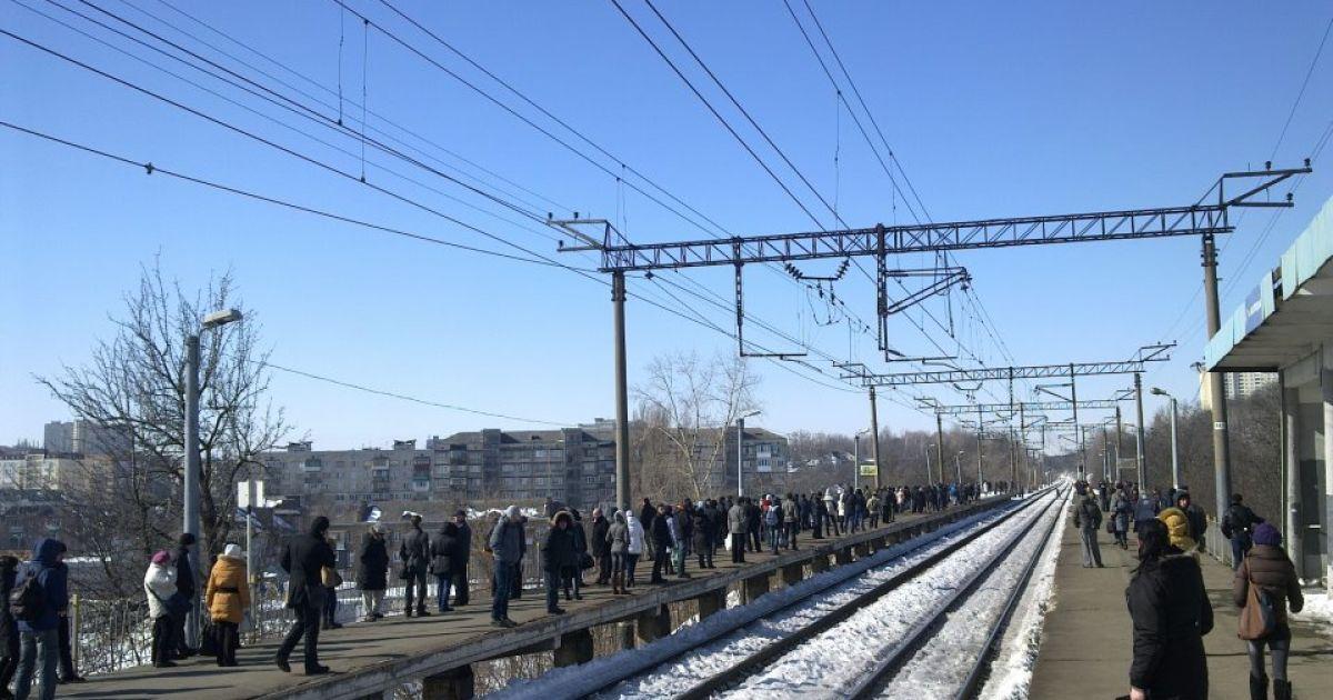 Кияни мають претензії до руху міської електрички @ Facebook