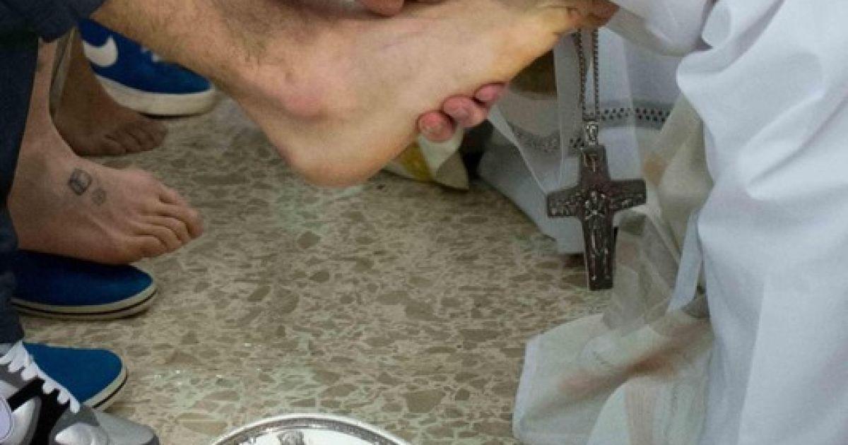 Папа Римський відвідав в'язницю для неповнолітніх @ Фото EPA/UPG
