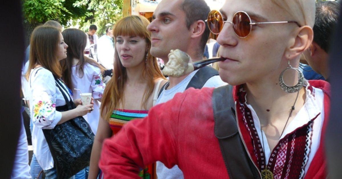 Українці зібрались на парад вишиванок @ ТСН.ua