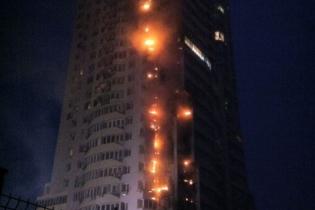 Пожар на Шулявке: люди проклинают дом, а эксперты говорят о новых трагедиях