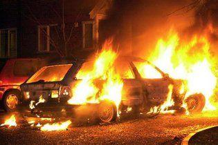 На Харківщині невідомі спалили євромайданівський мікроавтобус