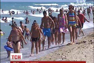 Лікарі розповіли, як українцям вберегтися від літніх недугів