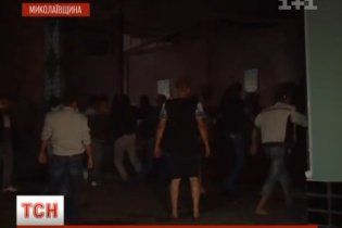 Через зґвалтування у Врадіївці розгнівані люди розгромили міліцію