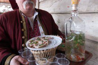 Украинцы пьют меньше водки, чем россияне и белорусы, но больше поляков