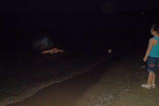 Призрак матери с ребенком распугал отдыхающих на одесском пляже (фото)