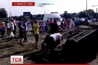 Провину за аварію на зупинці в Харкові намагаються повісити на невинного - родичі