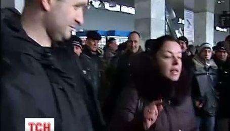 """Центральный железнодорожный вокзал """"парализовала"""" непогода"""