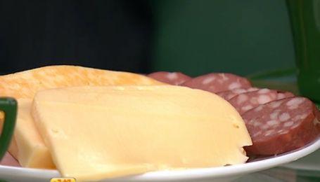 Эксперты посоветовали украинцам, где и какую покупать колбасу