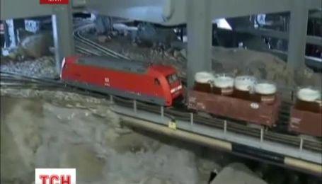 В одном из пражских пабов пиво клиентам развозят маленькие поезда