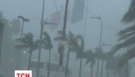 """Шторм и ураган """"зажали"""" с двух сторон Мексику: 50 человек погибли, 1,2 млн пострадали"""