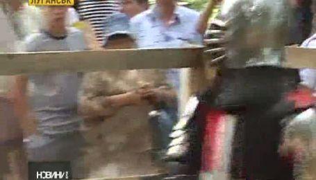 На Луганщині жінки нарівні з чоловіками позмагались в історичному фехтуванні