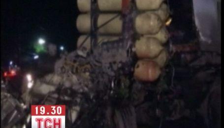 19 людей згоріли живцем в автобусі в Таїланді