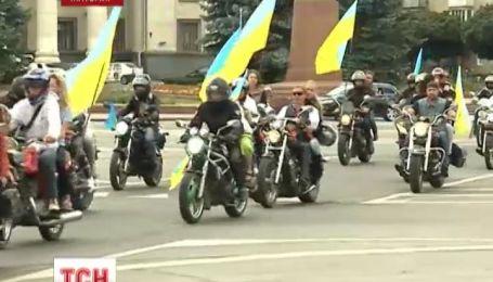 В Житомире байкеры в вышиванках проехались по городу