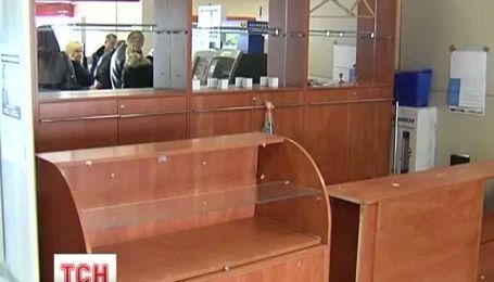 В Обухові 4 невідомих винесли сейф з ювелірної крамниці