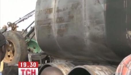 Взрыв бензовоза в Уганде унес жизни почти 30 человек
