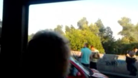 На Московському мосту авто мало не впало в річку