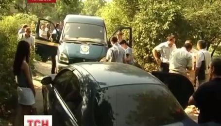 В Николаеве на инкассаторскую машину напали 2 жителей