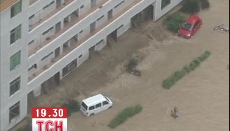 Из-за ливней в Китае не утихает разрушительное наводнение