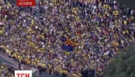 Каталонці живим ланцюгом обмежили себе від Іспанії