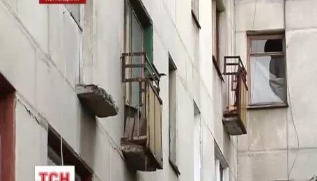 На Луганщине погибла женщина из-за ненадежного балкона