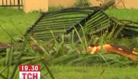 Тропический шторм обрушился на Флориду